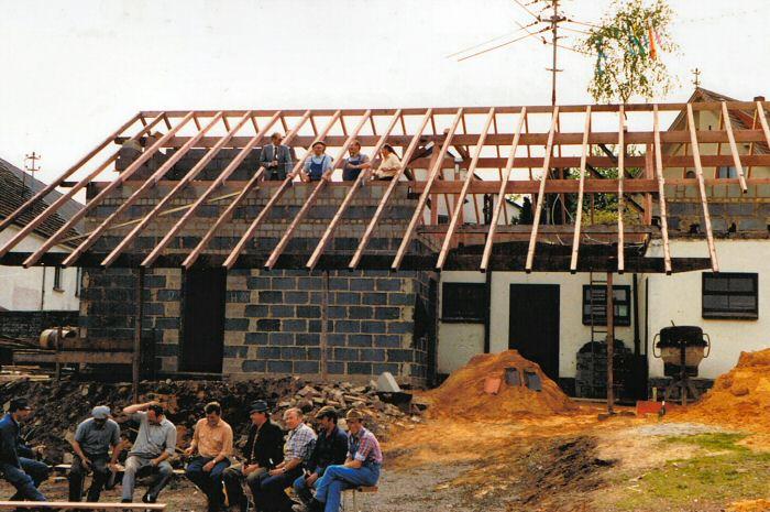 Foto des Backhauses im Bau 1984
